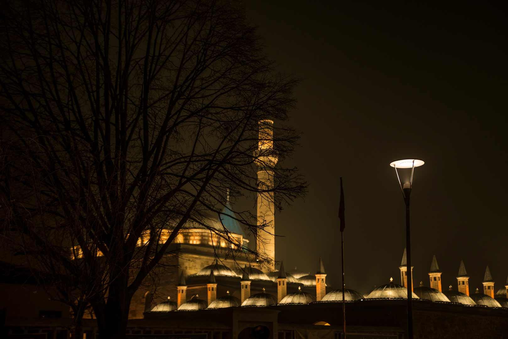 میدان مولانا مقبره مولانا در قونیه  تریکه
